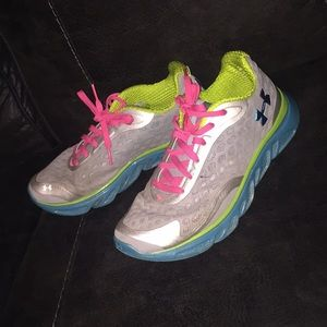 Under armor tennis shoes